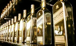 Johnnie Walker Gold Label Reserve – Travellers Edition: une bouteille Or-nementale?