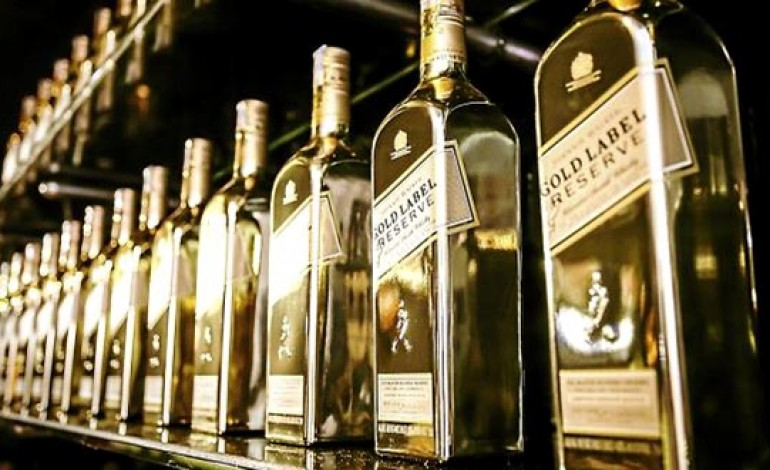Johnnie Walker Gold Label Reserve – Travellers Edition : une bouteille Or-nementale ?
