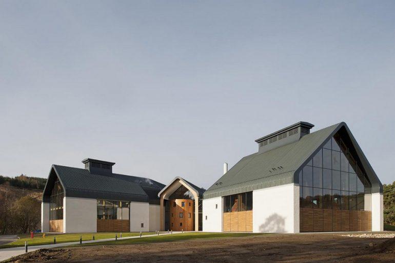 La distillerie Dalmunach inaugurée en grande pompe