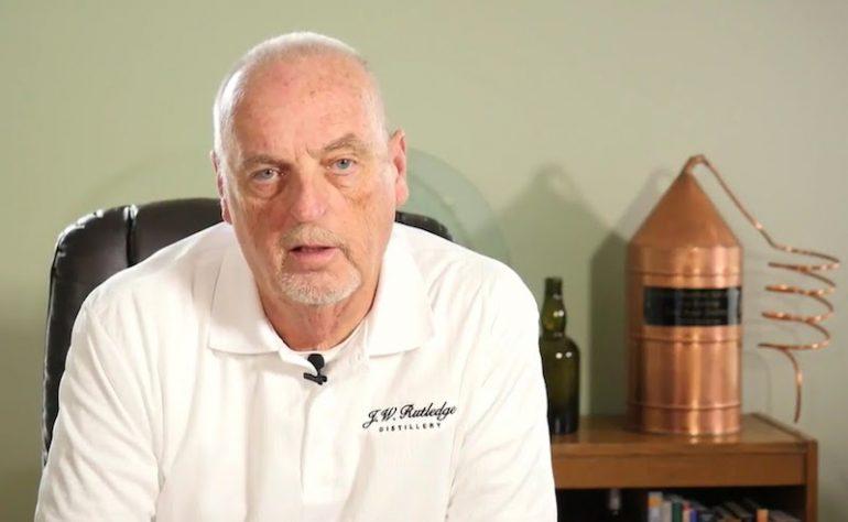 Bourbon : Jim Rutledge lance un appel aux dons pour construire sa distillerie